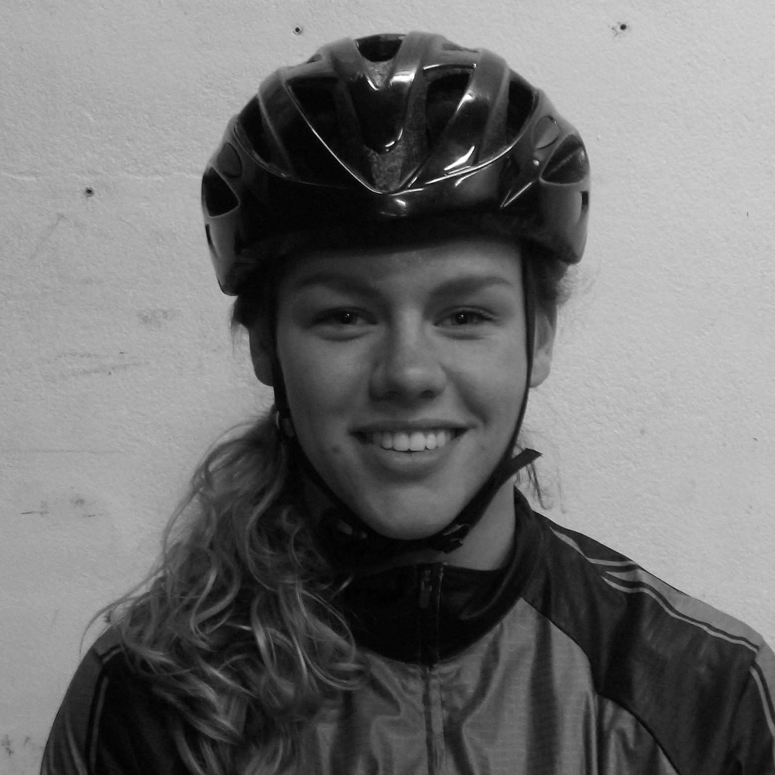 portretfoto fietskoerier romy theimessen
