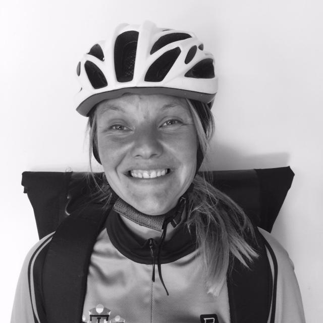 portretfoto fietskoerier iris vermeulen