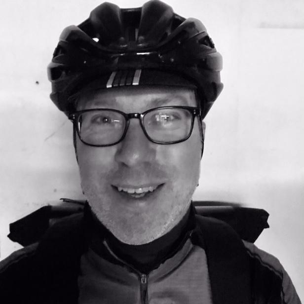 portretfoto fietskoerier edwin vennis