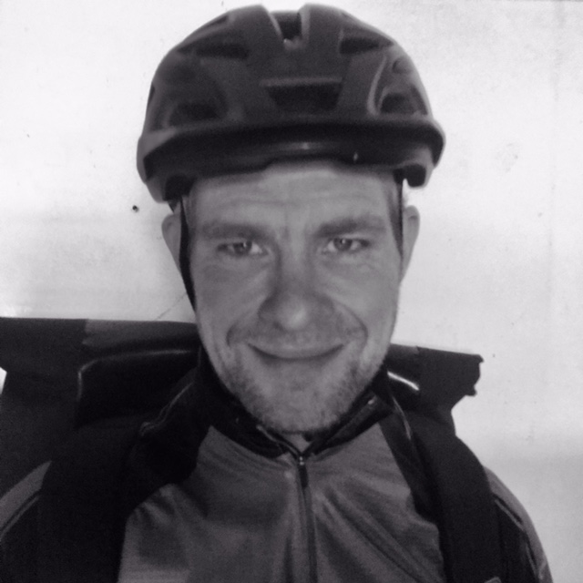 portretfoto fietskoerier rick tuinman